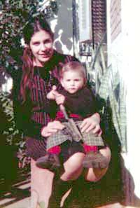Diana Oesterheld con su hijo